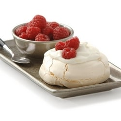 Meringues with lemon mascarpone and red fruit